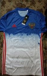 Предматчевая футболка с автографами сборной России по футболу